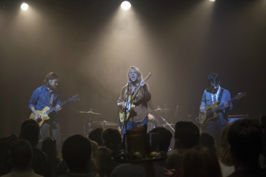 Lissie perform in a still from Twin Peaks. Photo: Suzanne Tenner/SHOWTIME
