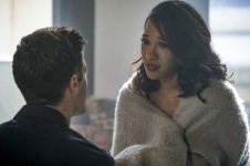 "The Flash -- ""Luck Be a Lady"" -- Image Number: FLA403a_0039b.jpg -- Pictured (L-R): Grant Gustin as Barry Allen and Candice Patton as Iris West -- Photo: Robert Falconer/The CW -- © 2017 The CW Network, LLC. All rights reserved."