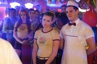 """Riverdale -- """"Chapter Fifteen: Nighthawks"""" -- Image Number: RVD202b_0315.jpg -- Pictured (L-R): Lili Reinhart as Betty Cooper and Casey Cott as Kevin Keller -- Photo: Bettina Strauss /The CW -- © 2017 The CW Network. All Rights Reserved"""