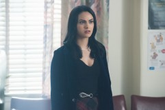 """Riverdale -- """"A Kiss Before Dying"""" -- Image Number: RVD201b_0117.jpg -- Pictured: Camila Mendes as Veronica Lodge -- Photo: Dean Buscher/The CW -- © 2017 The CW Network. All Rights Reserved"""